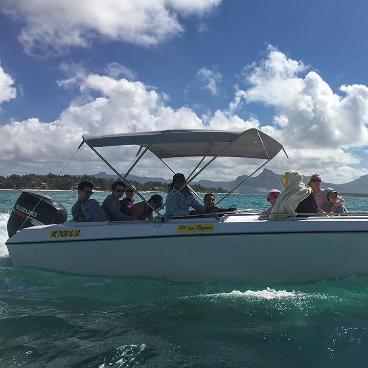 excursion en bateau rapide à l'ile-aux-cerfs avec totof tours